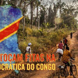 Rapazes que Tocam Fitas na República Democrática do Congo